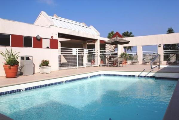 Hollywood Regis Apartments Ratings Reviews Map Rents And Other Los Angele