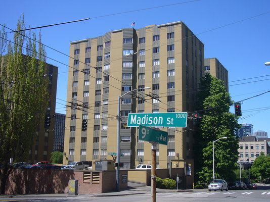 1000 8th avenue apartments seattle reviews