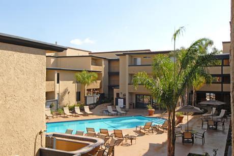 Riata Apartments Canoga Park Ca