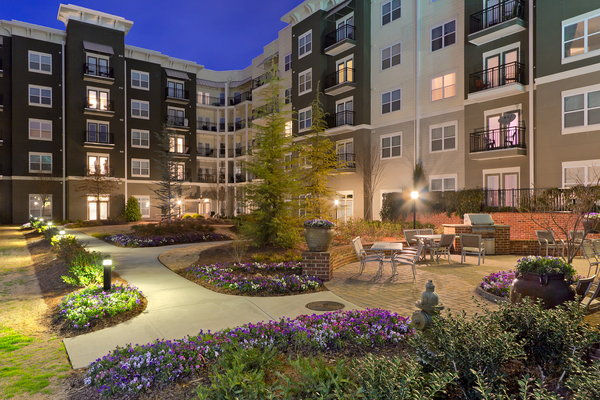 Bell Hartsfield Apartments Reviews