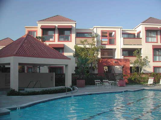 Irvine Inn Apartments Review