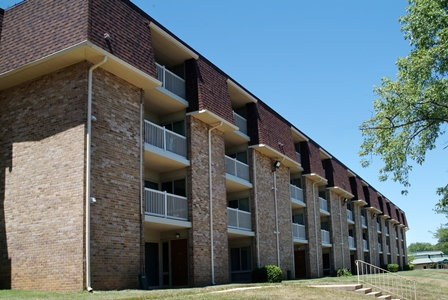crestleigh apartments ratings reviews map rents and