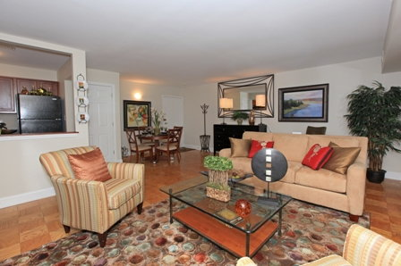 Berkshire At Windsor Gardens Ratings Reviews Map Rents And Other Norwood Apartments For Rent