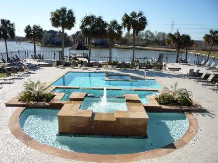 Hidden Lake Apartments Webster