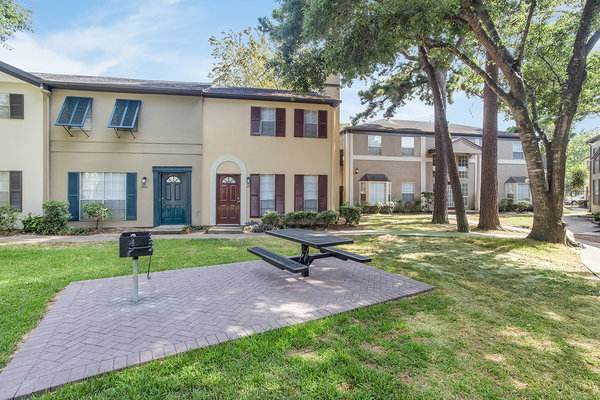 Brompton Square Apartments Houston