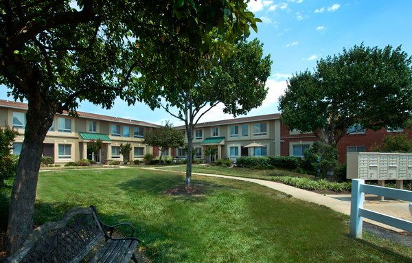 Bren mar apartments ratings reviews map rents and for 5575 vincent gate terrace