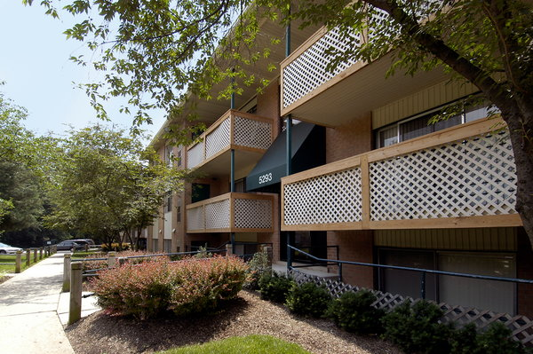 Apartments By New Carrollton Station