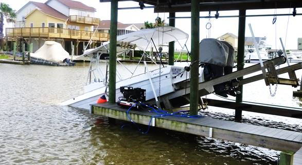 Project boat for sale – $13,000 – Chris Craft Stinger 311 Go